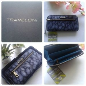 Travelon